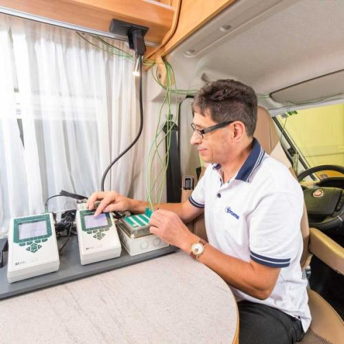 Temperature sensors inside a van in the climate chamber